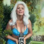 Bunny Yeager with her camera.